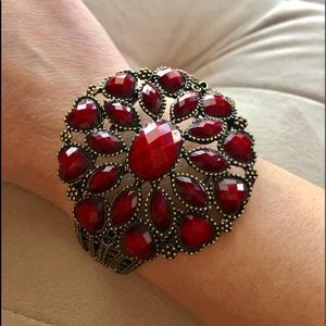 Jewelry - Ruby red stone vintage cuff bracelet